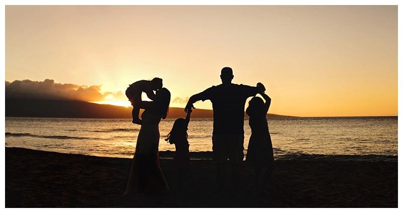 family, Sun Prairie photographer, hawaii, beach, ocean