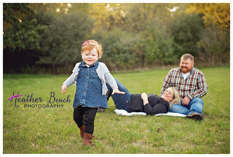 extended family, family of 3, pregnancy announcement, girl, grandparents